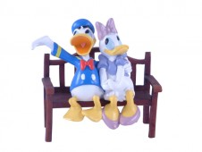 Donald Duck and Daisy Duck Figurine