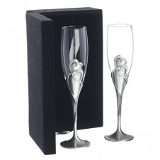 Heart Shape Champagne Flutes with Diamonds
