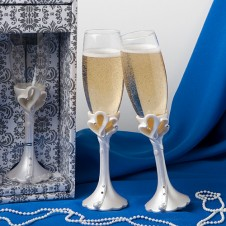 Interlocking Hearts Design Wedding Toasting Flutes