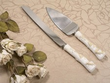 Beach Shell Theme Ivory Cake And Knife Wedding Server Set