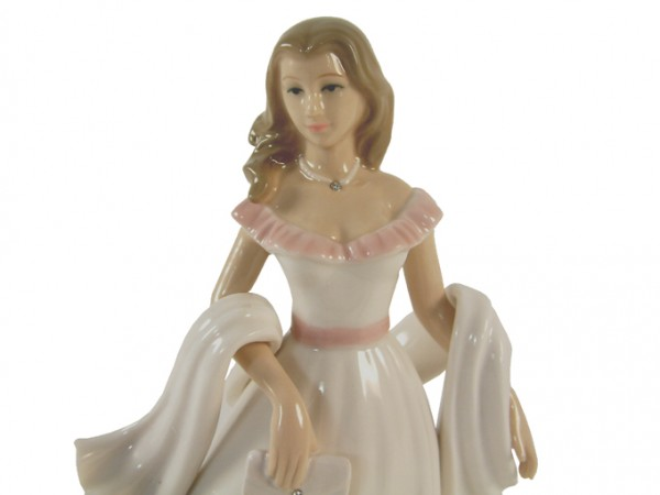 Lynsey Lady Figurine By Annie Rowe Leonardo Collection